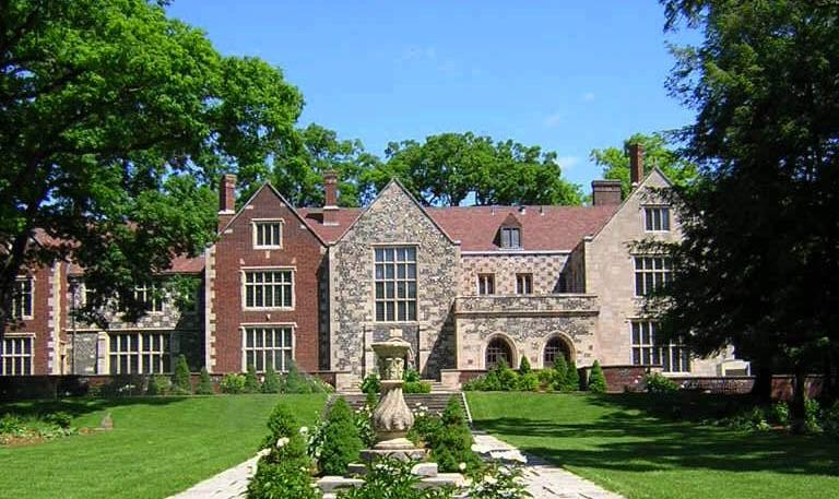 Experience Salisbury House & Gardens - Salisbury House